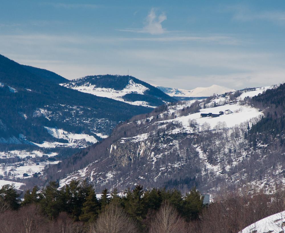 Ta en liten avstikker fra E6 neste gang du passerer Ringebu og se denne flotte utsikten mot Glittertind.